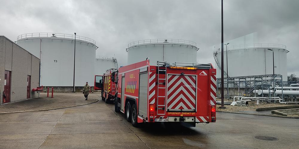 The Fire Brigade at oil storage tanks